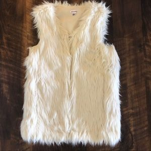 Xhiliration White Fur Vest XS NWOT
